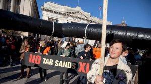 ap_pipeline_protesters_dm_120118_wmain